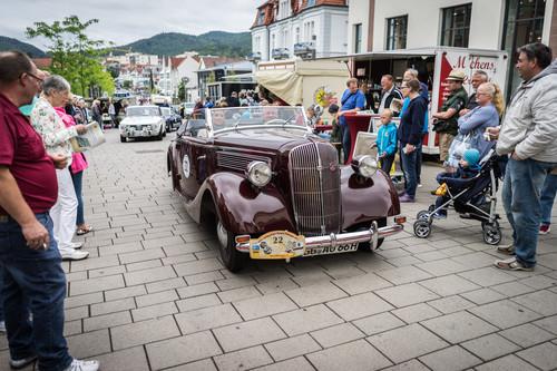23. ADAC-Oldtimerfahrt Hessen-Thüringen: Opel Roadster Super 6 Gläser Cabrio (1937).