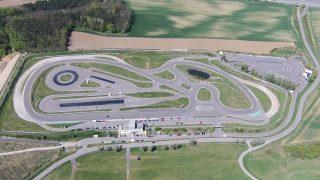 Circuit, Rundkurs, Rennstrecke, Piste. Hier der Wachauring in Melk. Foto © Mario Kranabetter