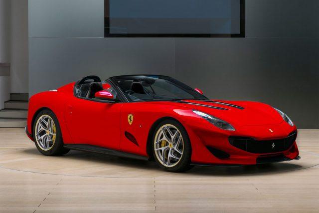 Ferrari SP3JC in Rosso Corsa