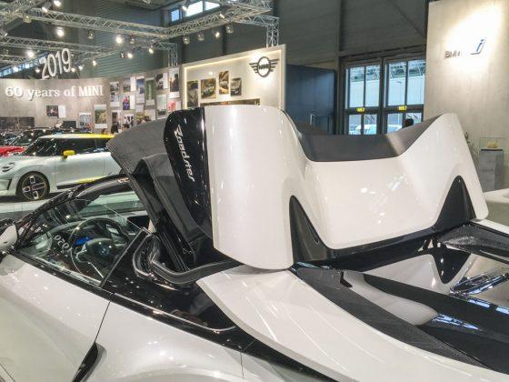 Sesam öffne dich. Die Dach-Performance des BMW i8 Roadster. Foto: © Mario Kranabetter 2019