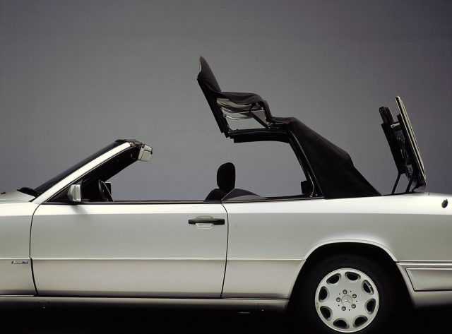 Mercedes-Benz E-Klasse Cabriolet (1993–1997) Foto:Daimler