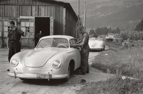 Porsche 356 auf dem alten Produktionsgelände in Gmünd.  Foto: Auto-Medienportal.Net/Porsche