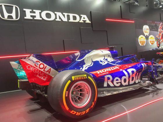Man glaubt es kaum, aber auch bei HONDA stand ein Cabrio. Der 2018er F1 des Torro Rosso Teams. Foto: © Mario Kranabetter 2019