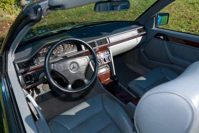 Mercedes-Benz 300 CE-24 Cabriolet (1992–1993)