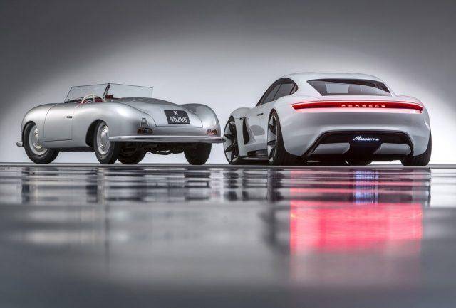 """356 """"Nr.1"""" Roadster und der Mission E Foto: Auto-Medienportal.Net/Porsche"""