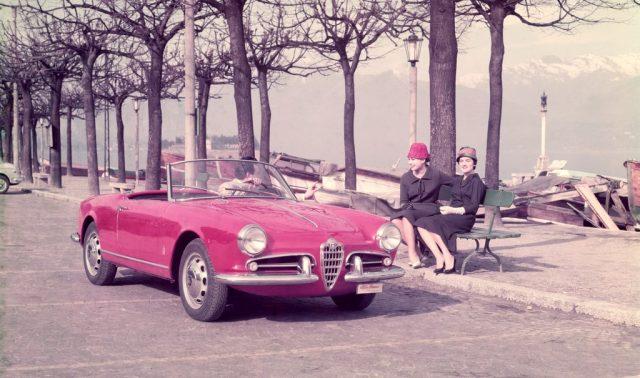 Alfa Romeo Giulietta Spider Veloce (1956). Foto: Auto-Medienportal.Net/FCA
