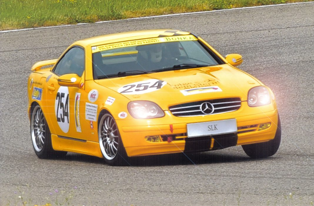 Erich Hammerler im Mercedes SLK R170 in Rennaction am Wachauring