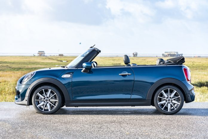 Mini Cooper S Cabrio Sidewalk. Foto: Auto-Medienportal.Net/BMW