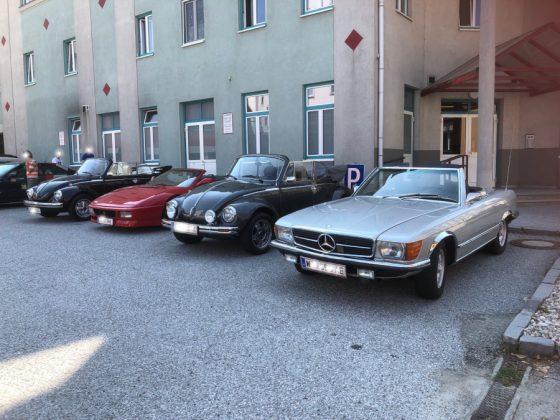 Oldtimer und Sportwagentreffen Waidhofen/Thaya 2019 Käfer, Ferrari, Käfer, Mercedes Foto: Edi Kranabetter
