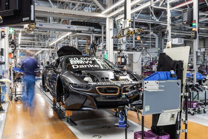 BMW i8 als Roadster in der auf 200 Stück limitierten Ultimate Sophisto Edition. Foto: Auto-Medienportal.Net/BMW